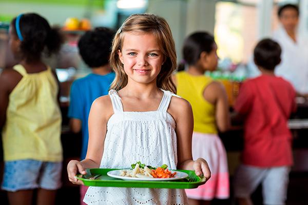 Àgora Col·lectivitats. Alimentant el present, alimentant el futur Servei integral de menjadors escolars